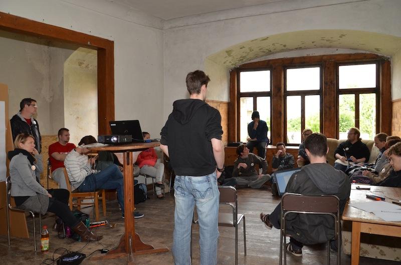 Auf dem Weg in die Selbstorganisation – Jugendliche übernehmen Verantwortung für das Gamescamp